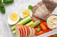 healthy snacks carrots hummus