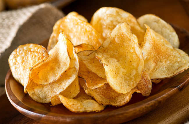 potato chips in a dish