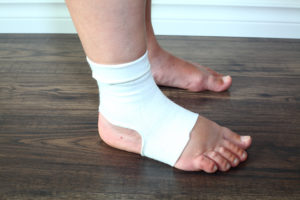 6 Best Fixes for Pain and Swelling in Your Feet and Ankles – Health  Essentials from Cleveland Clinic