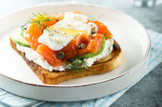 mind diet with salmon eggs and avocado