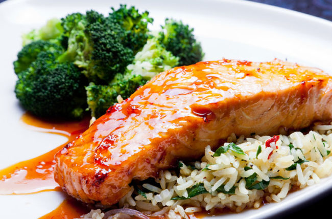 salmon and broccoli to relieve joint pain