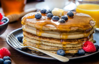 recipe: gluten free pancakes with raspberries blueberries and maple syrup