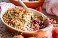 berry crisp, fruit crisp, heart healthy, healthy recipes, dessert, breakfast, fruit