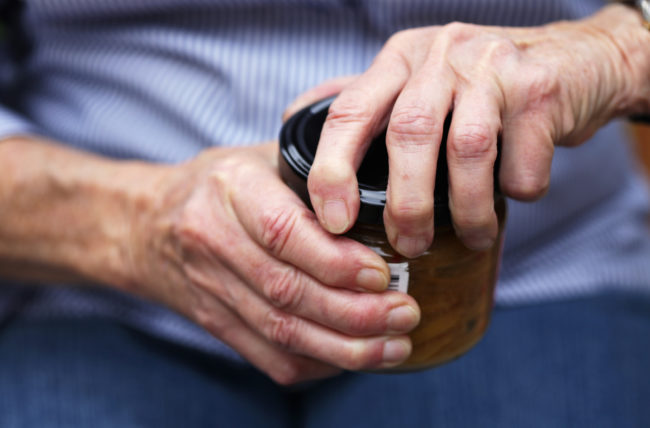 Losing Your Grip? How to Treat Your Thumb Arthritis
